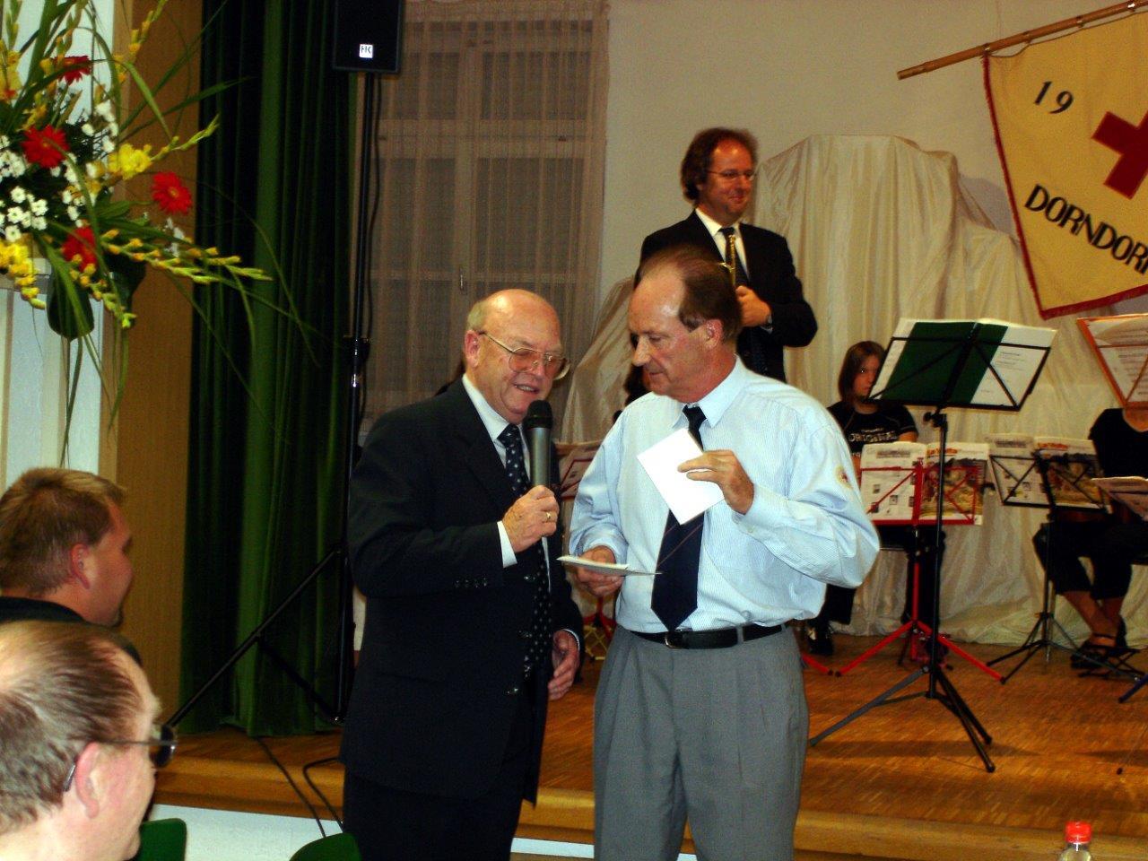Franz Geisinger und Siegfried Penetti begrüßen die Gäste