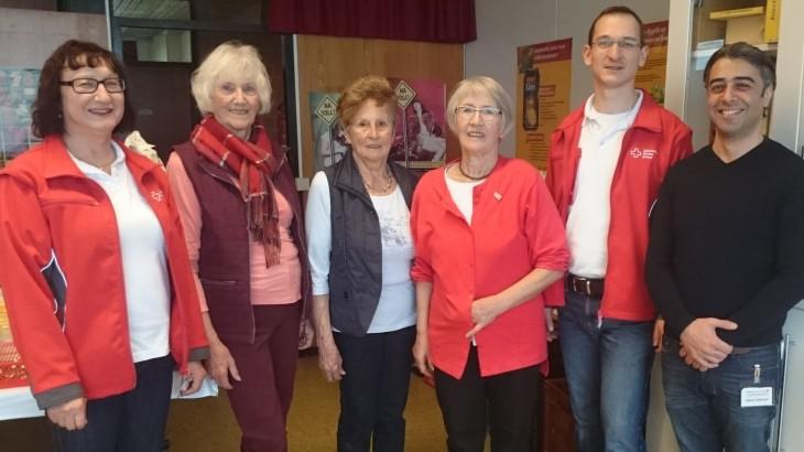 (von links nach rechts: T. Schniertshauer, E. Seitter, D. Schadenberger, M. Bendele, S. Gehrt, H. Gökcayir vom Blutspendedienst)